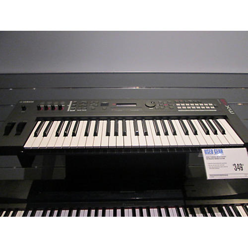 Yamaha MX49 49 Key Keyboard Workstation-thumbnail