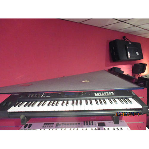 Yamaha MX61 61 Key Keyboard Workstation