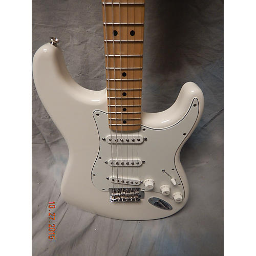 used fender mexican stratocaster solid body electric guitar guitar center. Black Bedroom Furniture Sets. Home Design Ideas