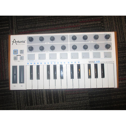 Arturia MiniLab Mini Hybrid | No Software MIDI Controller-thumbnail