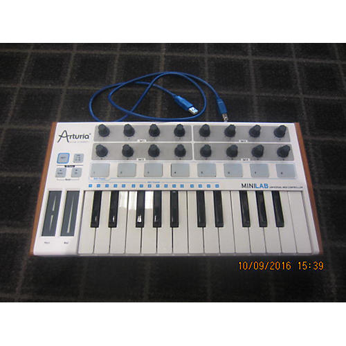 Arturia Minilab 25 Keyboard Workstation