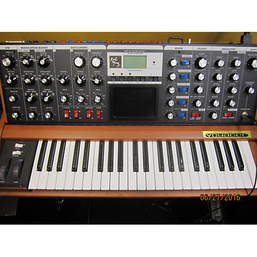 Moog Minimoog Voyager Signature Edition Synthesizer