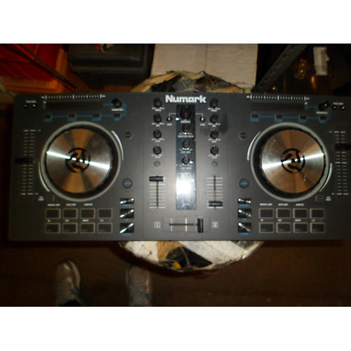 Numark Mixtrack III DJ Controller-thumbnail