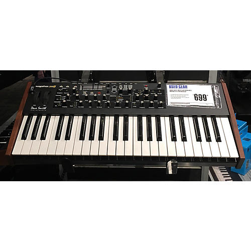 used dave smith instruments mopho x4 synthesizer guitar center. Black Bedroom Furniture Sets. Home Design Ideas