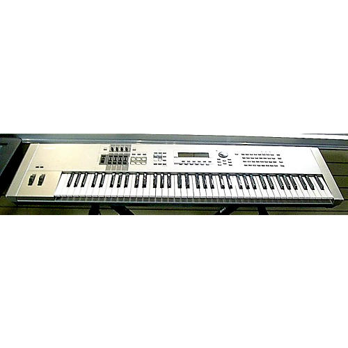 Yamaha Motif 7 76 Key Keyboard Workstation-thumbnail