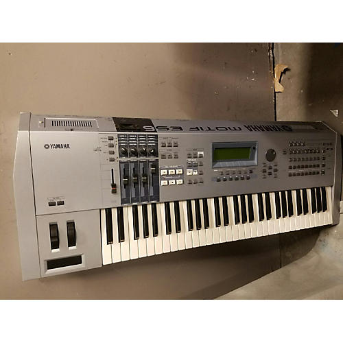 Yamaha Motif ES6 61 Key Keyboard Workstation-thumbnail
