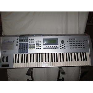 Pre-owned Yamaha Motif ES6 61 Key Keyboard Workstation by Yamaha