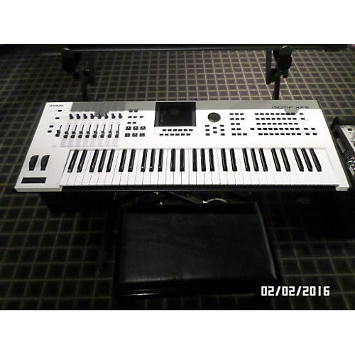 Yamaha Motif XF6 61 Key White Keyboard Workstation