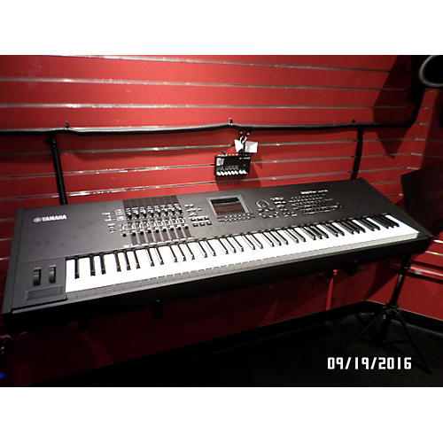 Yamaha Motif XF8 88 Key Keyboard Workstation