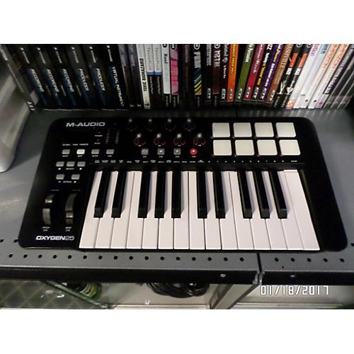 used m audio oxygen 25 mk iv keyboard workstation guitar center. Black Bedroom Furniture Sets. Home Design Ideas