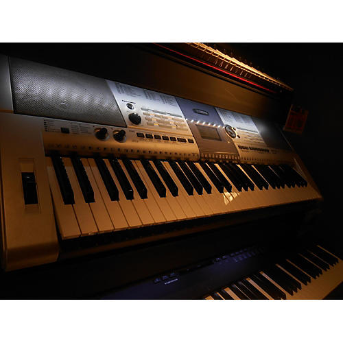 Yamaha PSRE403 Portable Keyboard-thumbnail
