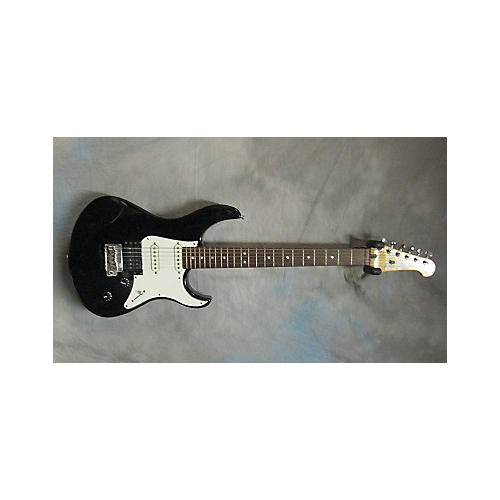 Yamaha Pacifica 712 Solid Body Electric Guitar