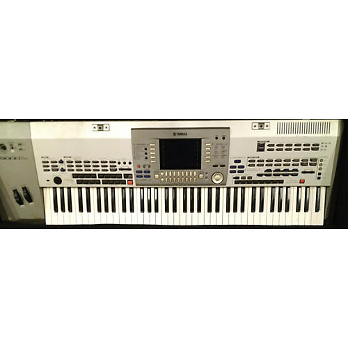 Yamaha Pro 9000 Keyboard Workstation
