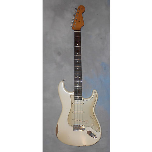 Fender ROADWORN STRATOCASTER W FENDER SCN PICKUPS Solid Body Electric Guitar White-thumbnail