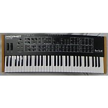 Dave Smith Instruments Rev2 Synthesizer