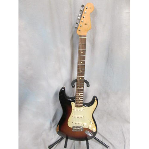 Fender Road Worn 1960S Stratocaster Solid Body Electric Guitar-thumbnail