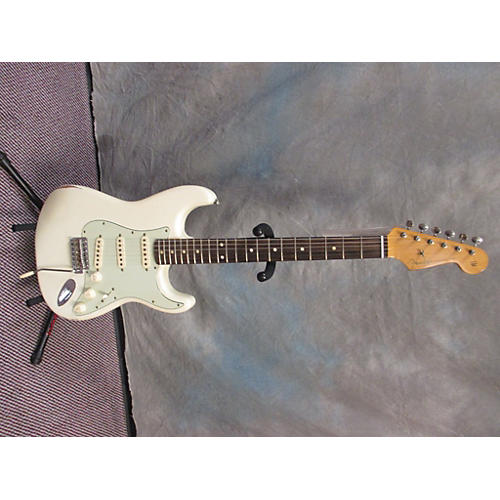 Fender Road Worn 1960S Stratocaster Solid Body Electric Guitar