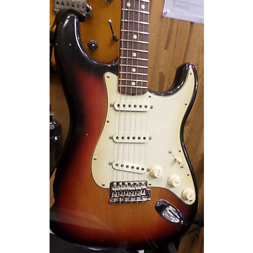 Fender Road Worn Player Stratocaster 3 Color Sunburst Solid Body Electric Guitar-thumbnail