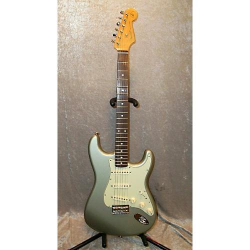 Fender Robert Cray Signature Stratocaster Inca Silver Electric Guitar-thumbnail