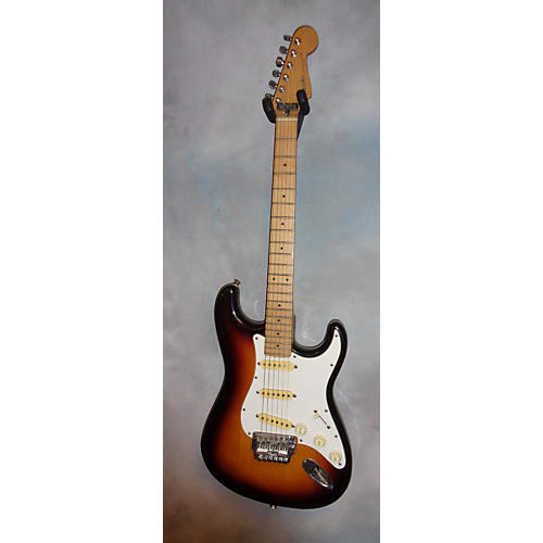 Fender STRATOCASTER Solid Body Electric Guitar 3 Tone Sunburst