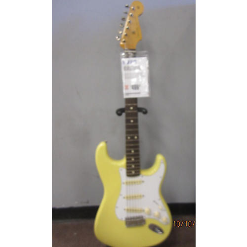 Fender Special Edition 60s Stratocaster Solid Body Electric Guitar