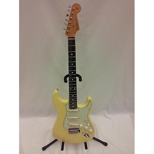 Fender Special Edition 60s Stratocaster Solid Body Electric Guitar-thumbnail