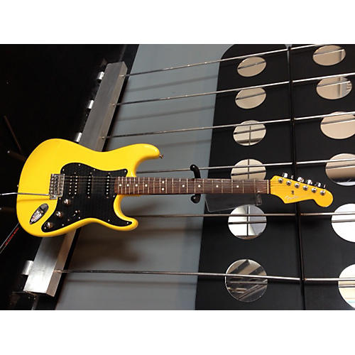 Fender Stratocaster Special Edition Yellow Solid Body Electric Guitar-thumbnail