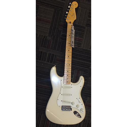 Squier Stratocaster With Fender MIM Neck-thumbnail