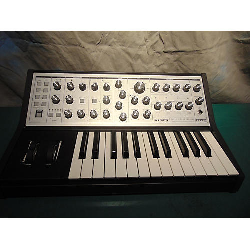 Moog Sub Phatty 25 Key Synthesizer-thumbnail