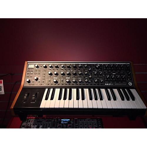 Guitar Center Synthesizers : used moog sub37 synthesizer guitar center ~ Vivirlamusica.com Haus und Dekorationen