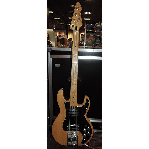 Peavey T-40 Electric Bass Guitar