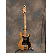 Peavey T40 Electric Bass Guitar