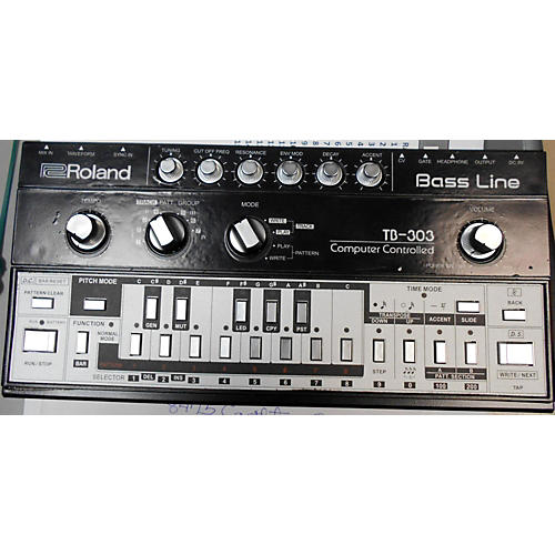 Roland TB-303 Bass Synthesizer Synthesizer
