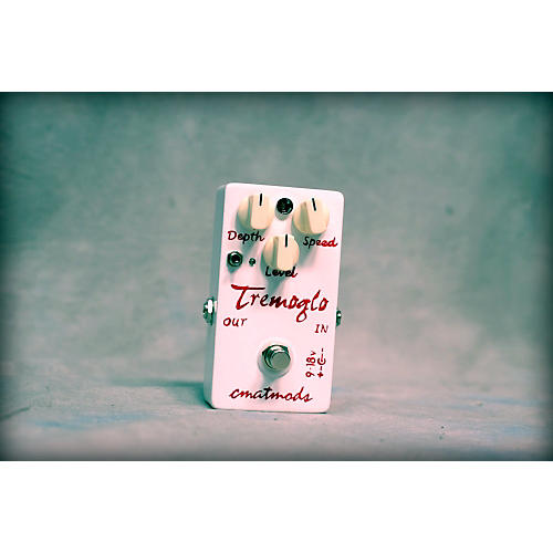 In Store Used TREMOGLO Effect Pedal  0