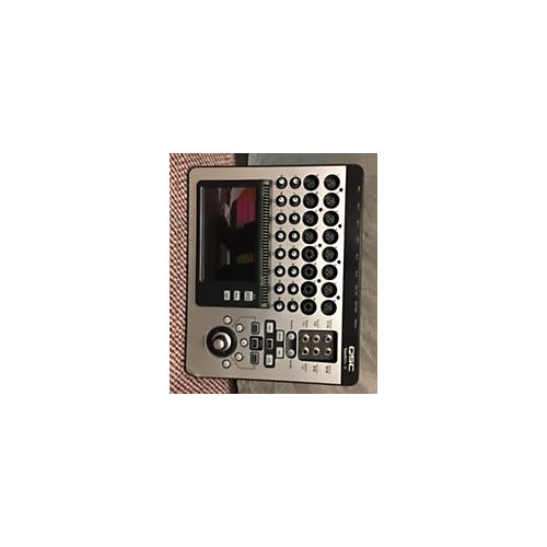 QSC TouchMix 16 Digital Mixer-thumbnail