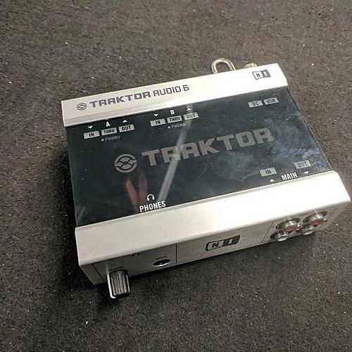 Native Instruments Traktor Audio 6 DJ Controller-thumbnail
