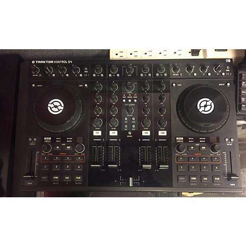 Native Instruments Traktor Kontrol S4 DJ Controller-thumbnail