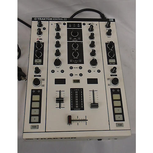 Native Instruments Traktor Kontrol Z2 DJ Controller-thumbnail