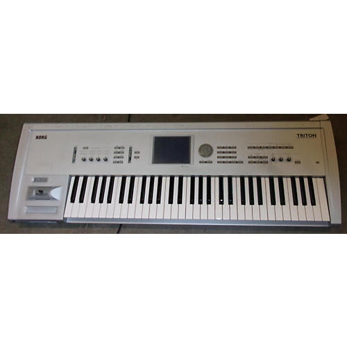 Korg Triton Classic 61 Key Keyboard Workstation-thumbnail