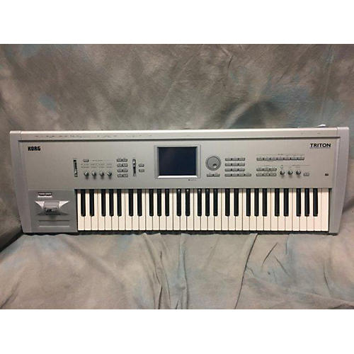 Korg Triton Classic 61 Key Keyboard Workstation-thumbnail