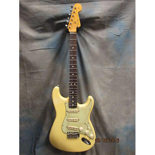 Fender US Vintage 1962 Reissue Stratocaster Solid Body Electric Guitar-thumbnail