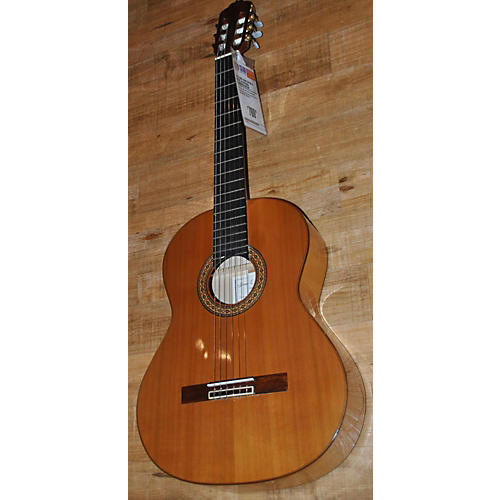 In Store Used Used 2004 Juan Cayuela Model 40 Natural Flamenco Guitar-thumbnail