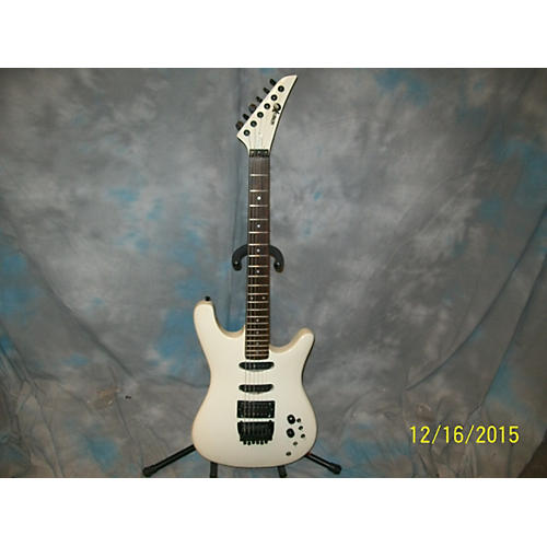 In Store Used Used BENTLEY SERIES 10 Alpine White Solid Body Electric Guitar-thumbnail