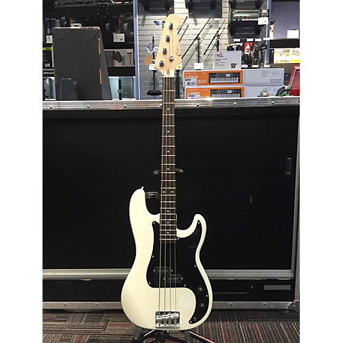 In Store Used Used Crescent P-Bass White Electric Bass Guitar