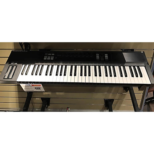 In Store Used Used KOMPLETE KONTROL S61 MIDI Controller-thumbnail