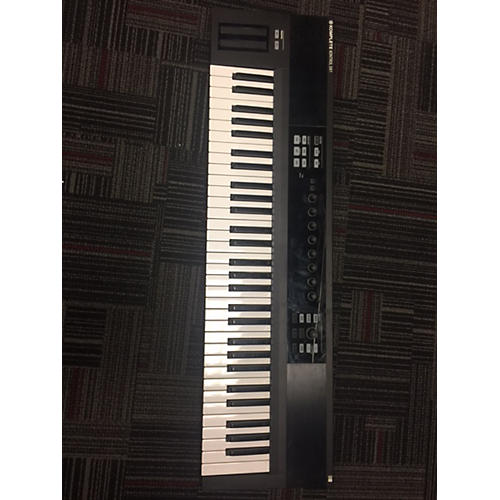 In Store Used Used KOMPLETE S61 MIDI Controller