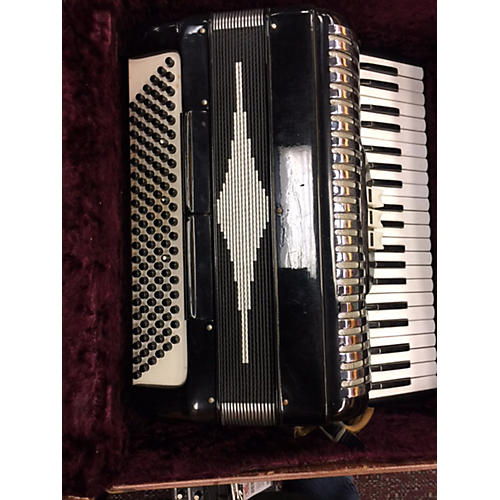 In Store Used Used LINDO C30 Accordion