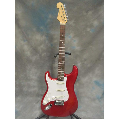In Store Used Used New York Pro Lefty Strat Candy Apple Red Electric Guitar