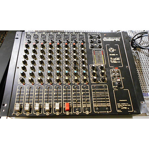 In Store Used Used STUDIOMASTER Diamond 8-2 Powered Mixer