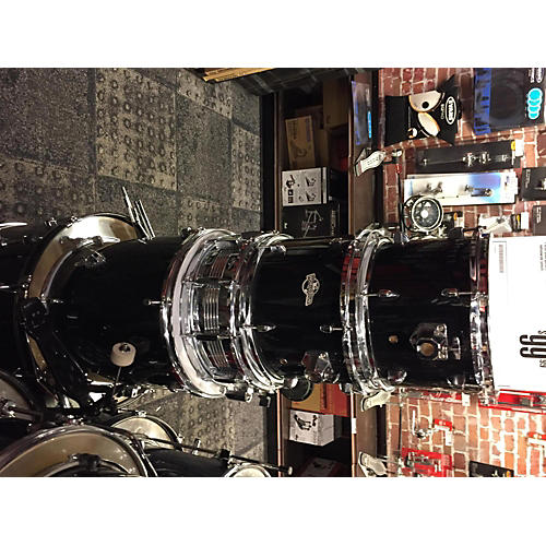 In Store Used Used World Tour 5 piece Drum Set Black Drum Kit-thumbnail